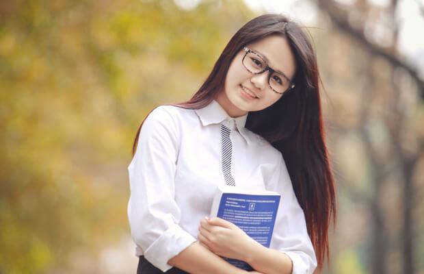 Phân tích nhân vật Chiến trong truyện Những đứa con trong gia đình của Nguyễn Thi – Văn mẫu lớp 12